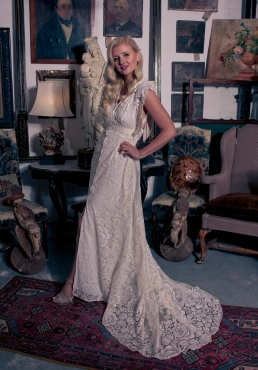 hair and makeup by Kirsten, Photographer Simons photography